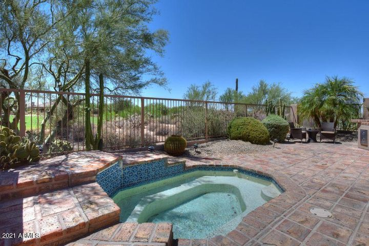 Golf View from your patio with Spa & Built-In BBQ