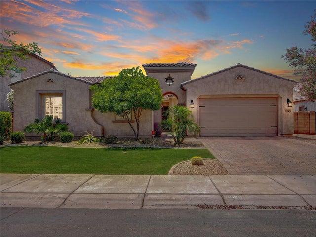 3029 E LONGHORN Drive, Gilbert, AZ 85297