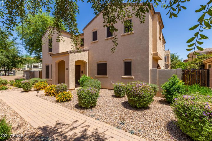 3306 E FRANKLIN Avenue, Gilbert, AZ 85295