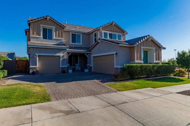 7051 E Plata Avenue, Mesa, AZ 85212