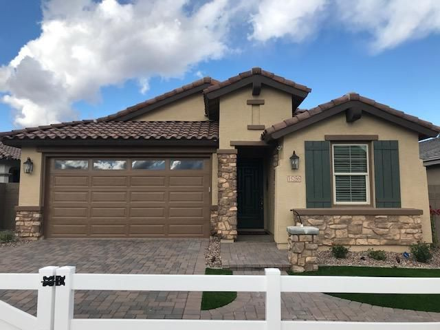 15106 W GARFIELD Street, Goodyear, AZ 85338