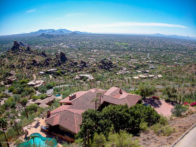 Home sits 500+ feet above the Valley with phenomenal panoramic views and close-up views of giant boulders.