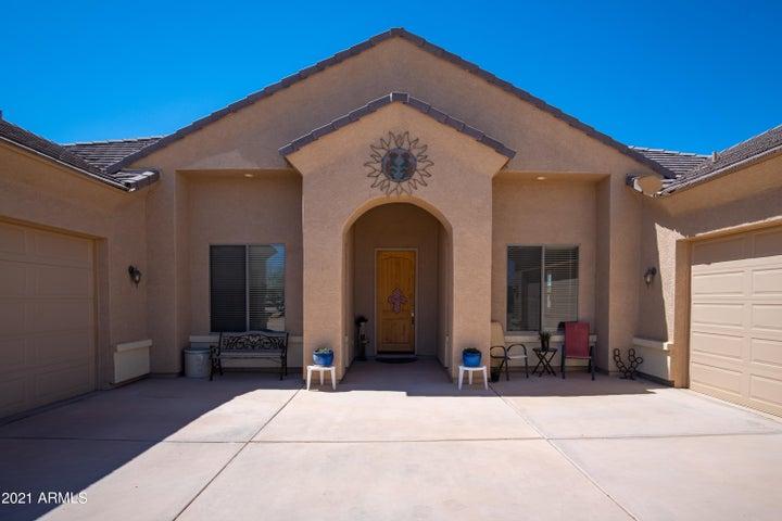 517 W MOON DUST Trail, San Tan Valley, AZ 85143