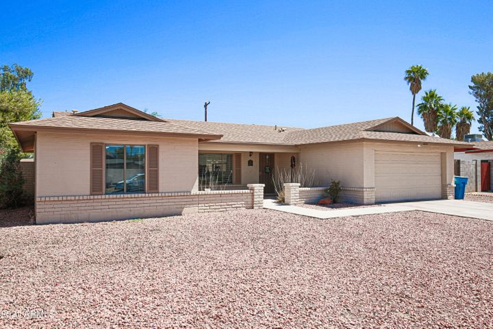 4222 W BARBARA Avenue, Phoenix, AZ 85051