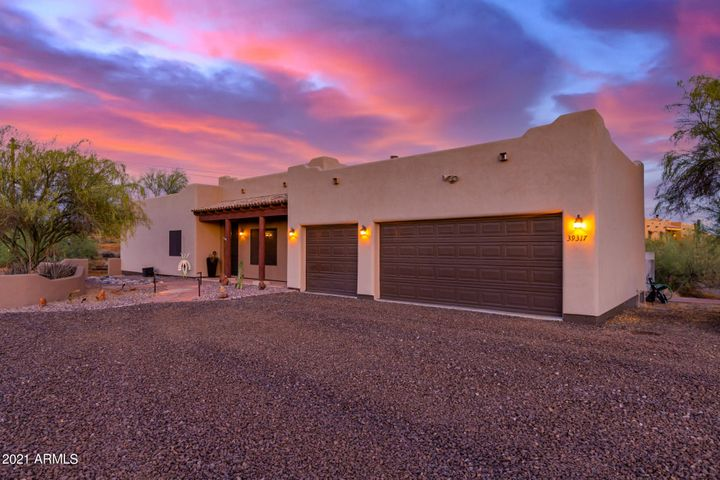 39317 N 6TH Street, Phoenix, AZ 85086