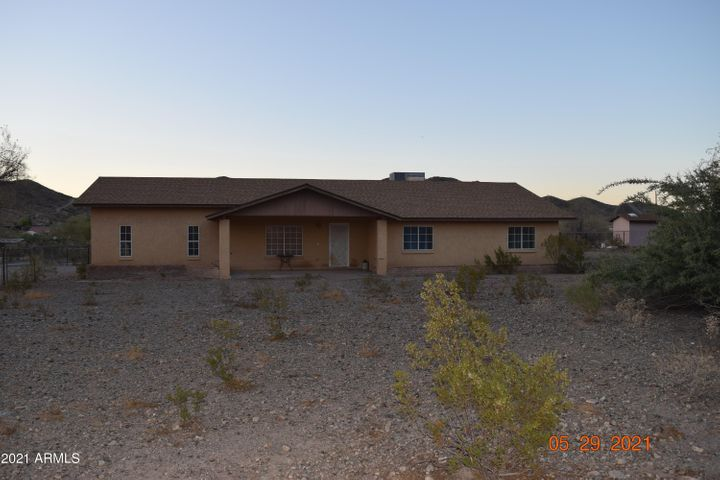 4012 W CARVER Road, Laveen, AZ 85339