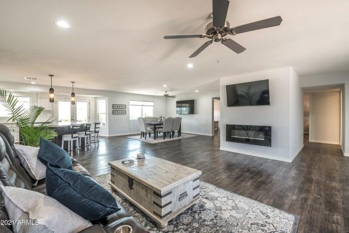 11826 N SUN VALLEY Drive, Sun City, AZ 85351