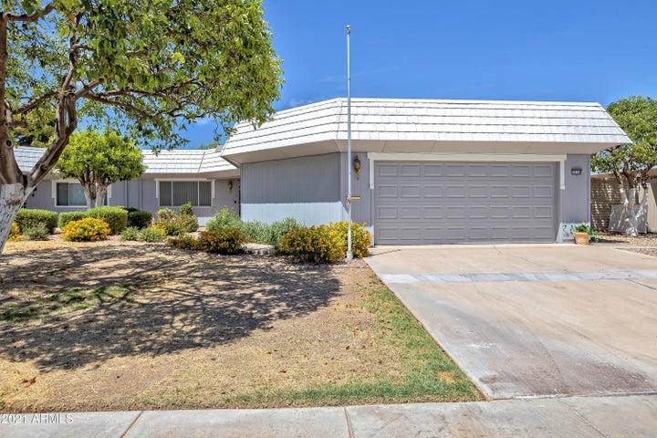 10158 W PINEAIRE Drive, Sun City, AZ 85351