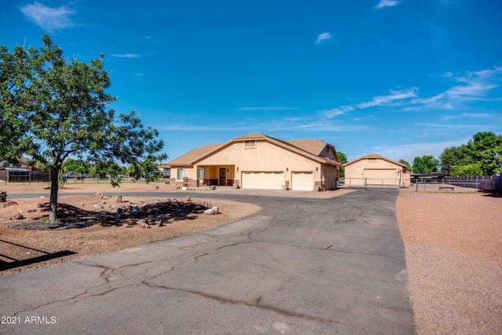 3120 S EAGLE Drive, Chandler, AZ 85286