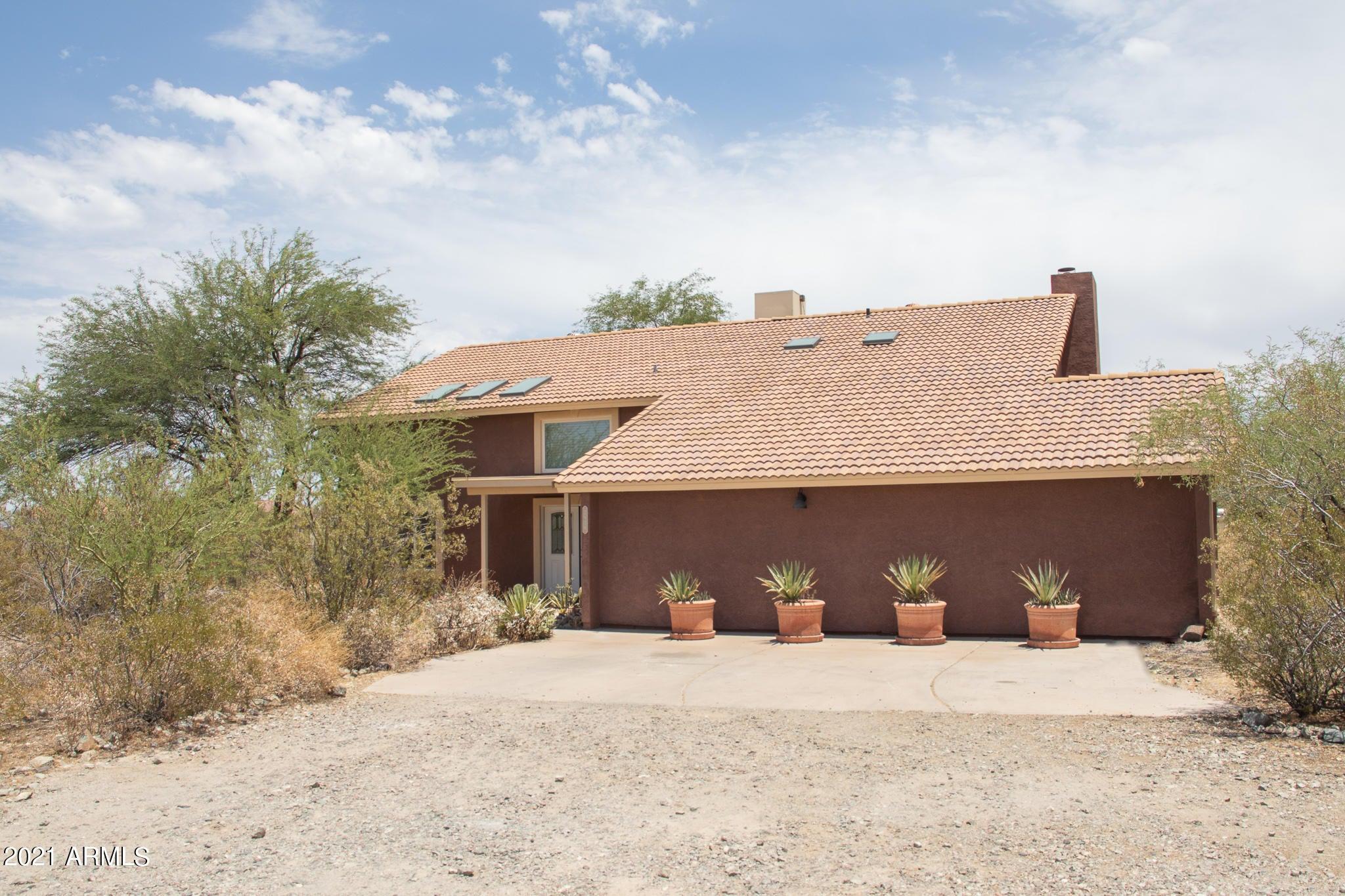 2636 W LODGE Drive, Phoenix, AZ 85041