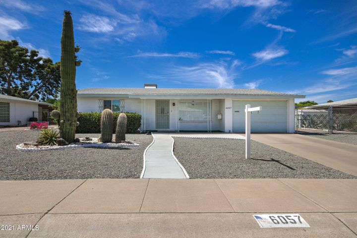 6057 E DES MOINES Street, Mesa, AZ 85205