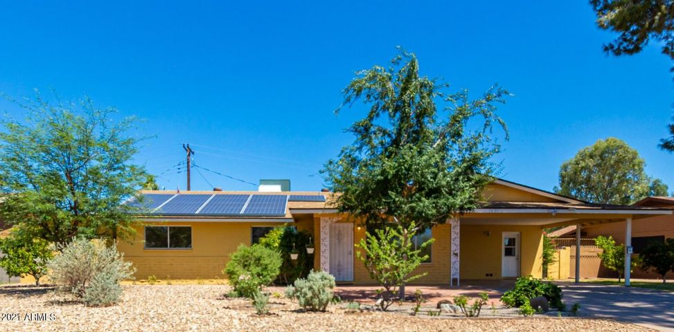 4br/2ba 2000sq ft Totally Updated Home in Colony By The Greens