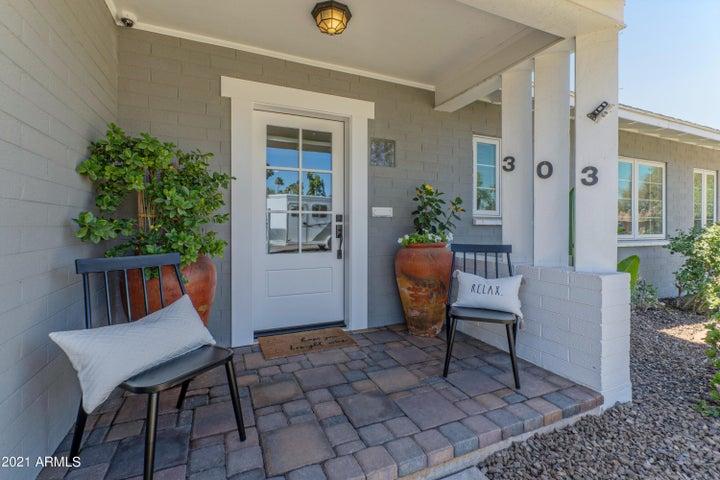 303 E SOLANA Drive, Tempe, AZ 85281