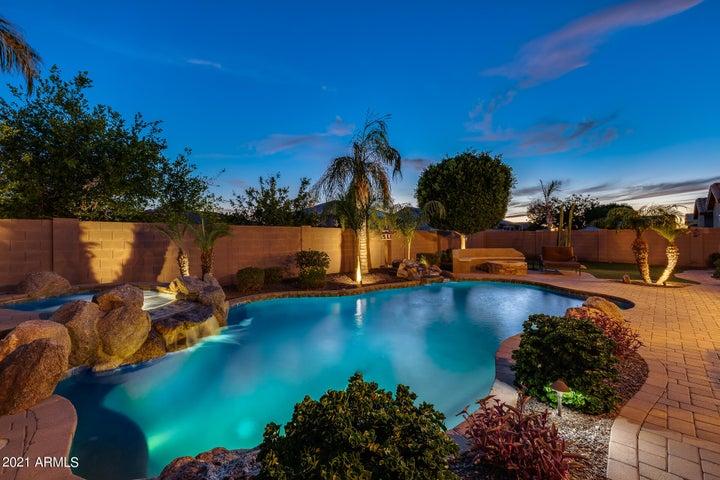 27422 N GIDIYUP Trail, Phoenix, AZ 85085