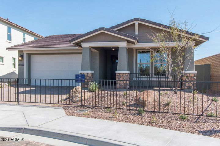 4356 N PIONEER Drive, Litchfield Park, AZ 85340