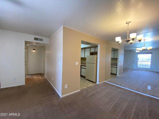 1340 N RECKER Road, 221, Mesa, AZ 85205