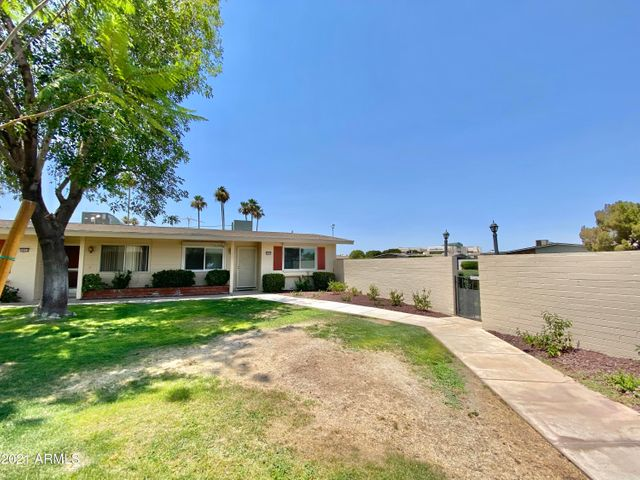 10555 W COGGINS Drive, Sun City, AZ 85351