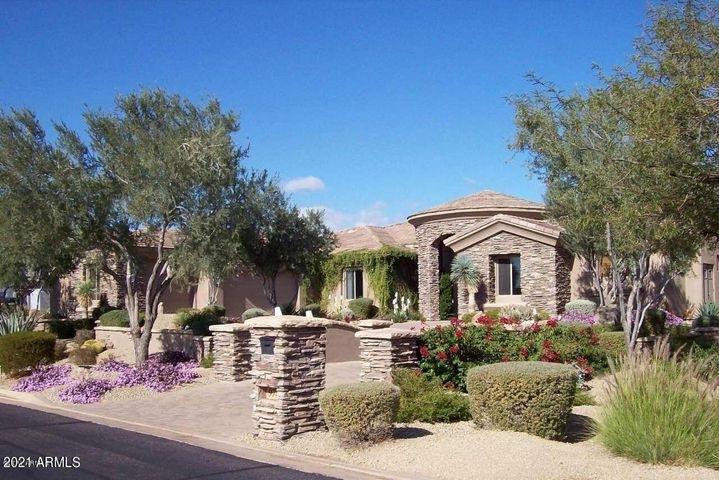 9742 E CAVALRY Drive, Scottsdale, AZ 85262