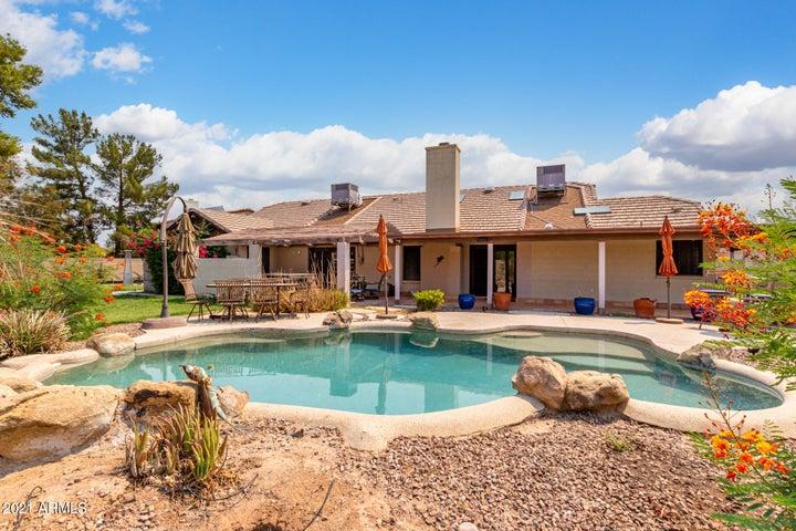 2038 S ASH Circle, Mesa, AZ 85202