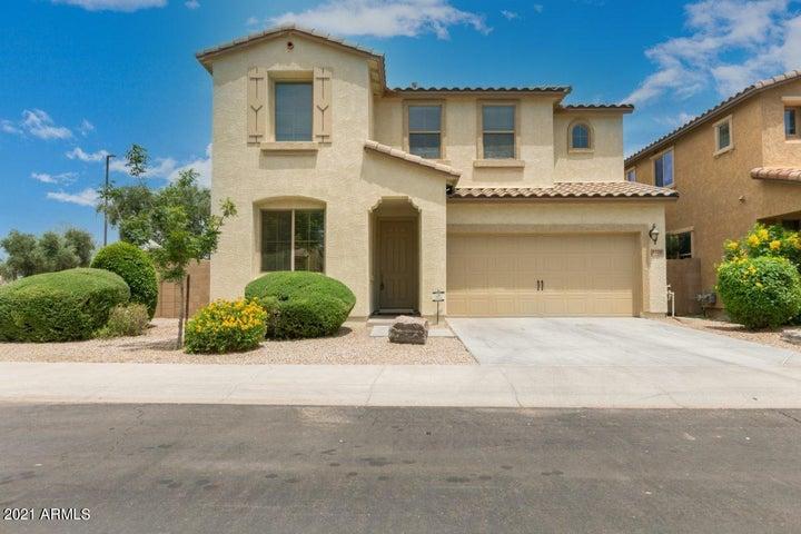 3220 E SPORTS Drive, Gilbert, AZ 85298