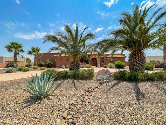 2625 W DESERT HILLS Drive, Phoenix, AZ 85086