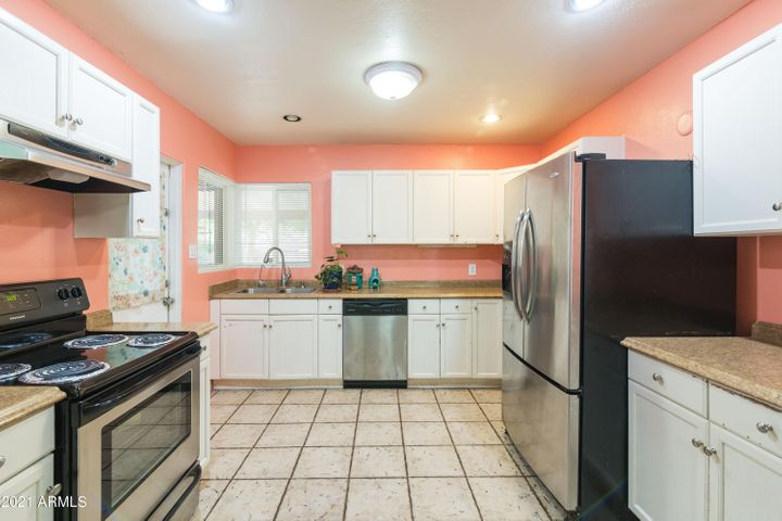 3016 E Hubbell Street, Phoenix, AZ 85008