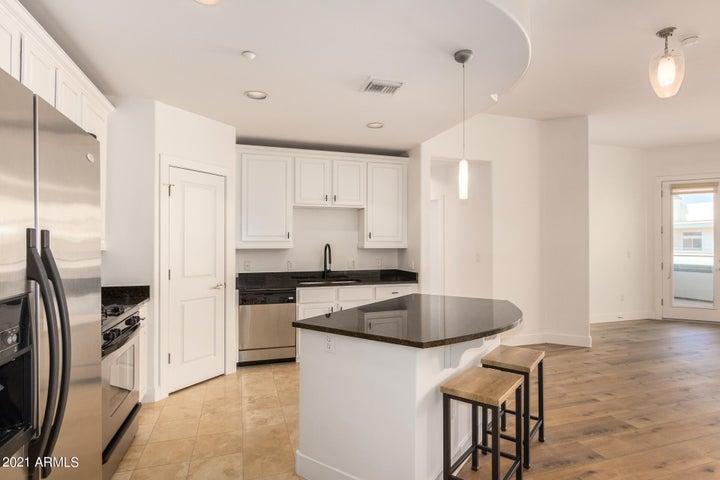 Light & Bright, Open Concept Kitchen