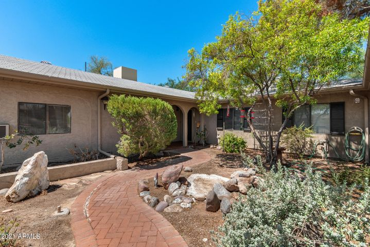2652 N 82ND Street, Mesa, AZ 85207