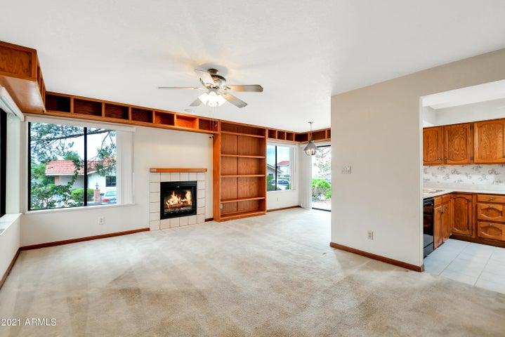 16615 E GUNSIGHT Drive, 101, Fountain Hills, AZ 85268