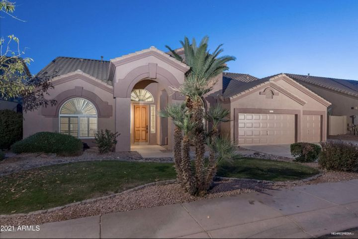 723 W AMBERWOOD Drive, Phoenix, AZ 85045