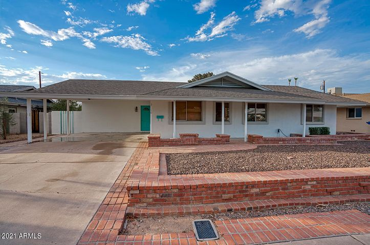 1110 E CAMPUS Drive, Tempe, AZ 85282