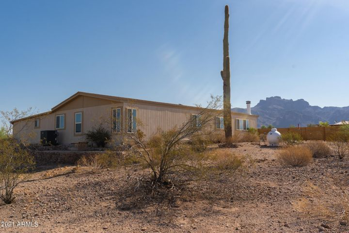 2876 E 12TH Avenue, Apache Junction, AZ 85119