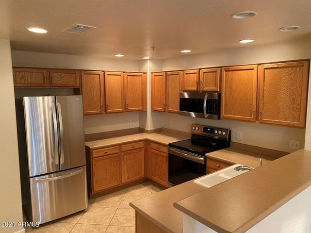 Spacious Kitchen with Brand New Stainless Appliances!