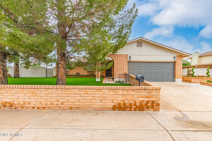 2055 N 63RD Place, Mesa, AZ 85215