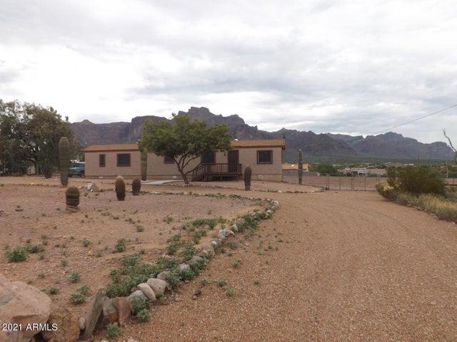 665 N MULESHOE Road N, Apache Junction, AZ 85119