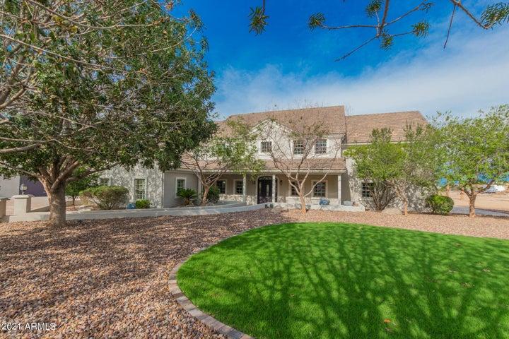 856 W QUAIL Circle, San Tan Valley, AZ 85143