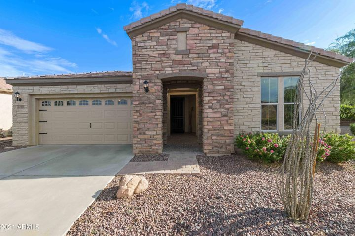 4098 E SOURWOOD Drive, Gilbert, AZ 85298