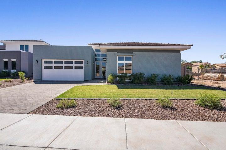 2906 S SANDSTONE Court, Gilbert, AZ 85295