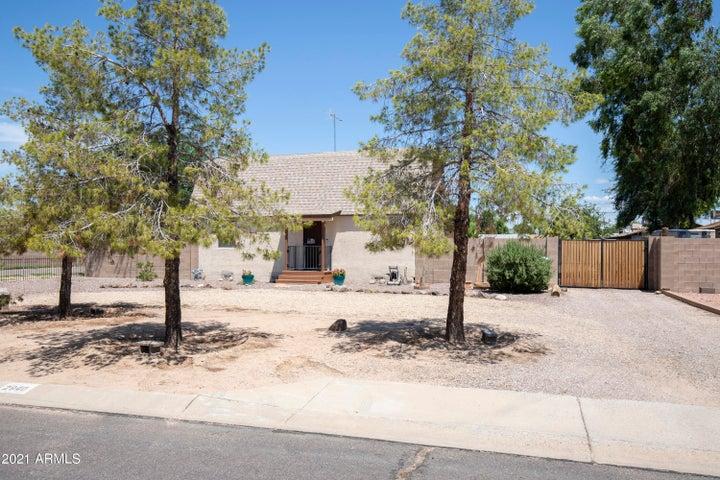 2940 E CAMPO BELLO Drive, Phoenix, AZ 85032