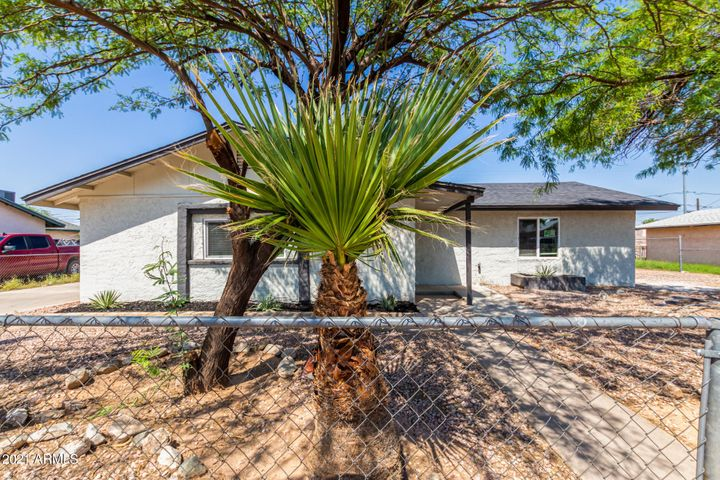 301 N COOLIDGE Avenue, Casa Grande, AZ 85122