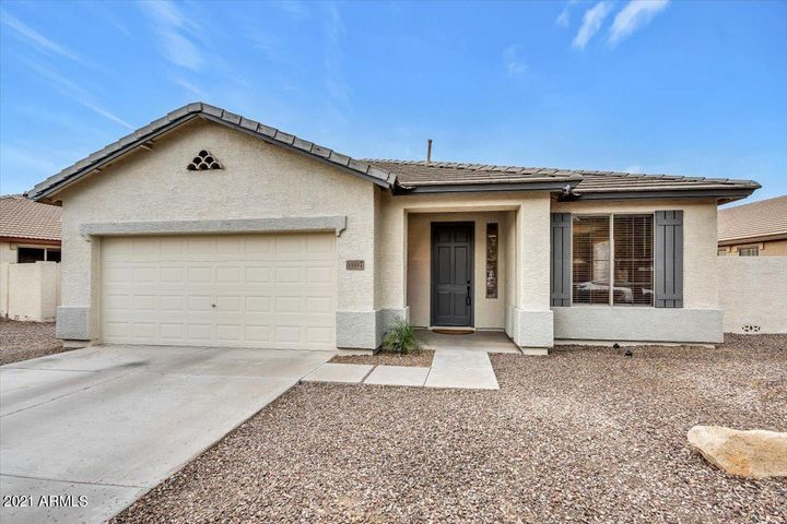4301 S SPLENDOR Court, Gilbert, AZ 85297