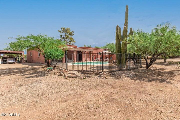118 W DESERT HILLS Drive, Phoenix, AZ 85086