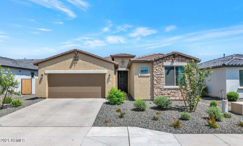 Welcome home to Windrose at Zanjero Trails!