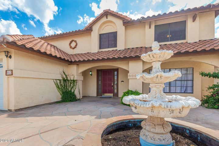 952 N SUNVIEW Circle, Mesa, AZ 85205
