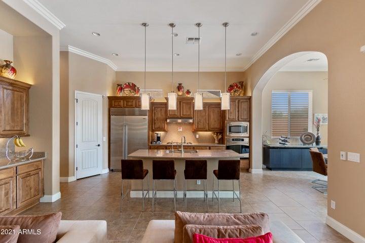 8437 E LOCKWOOD Street, Mesa, AZ 85207