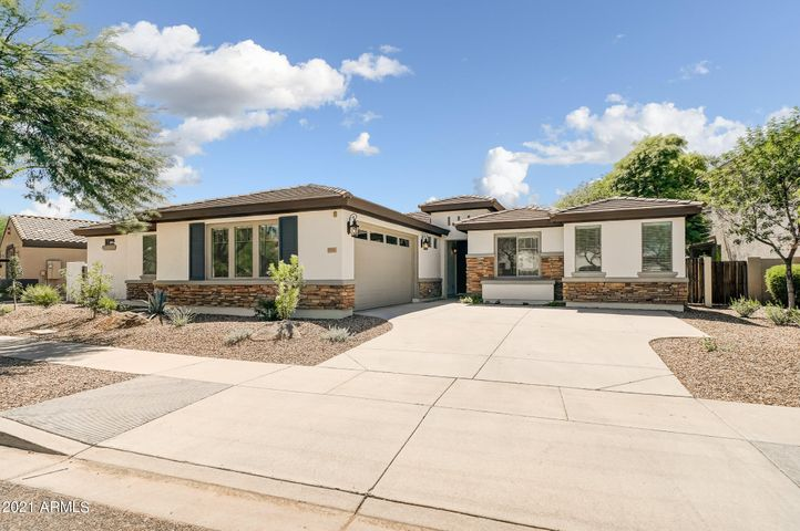 3790 S STAR CANYON Drive, Gilbert, AZ 85297