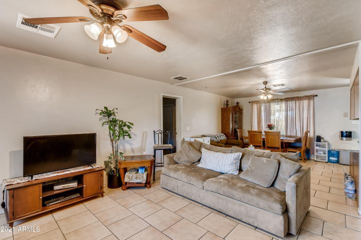 8519 E NORTHLAND Drive, Scottsdale, AZ 85251