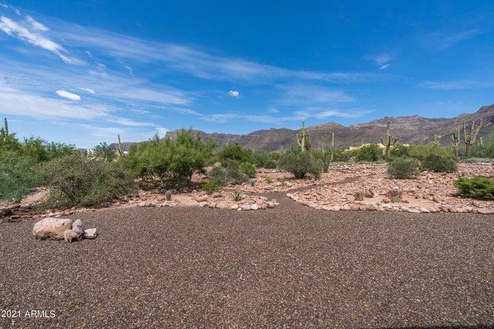 10100 E CLOUDVIEW Avenue, Gold Canyon, AZ 85118