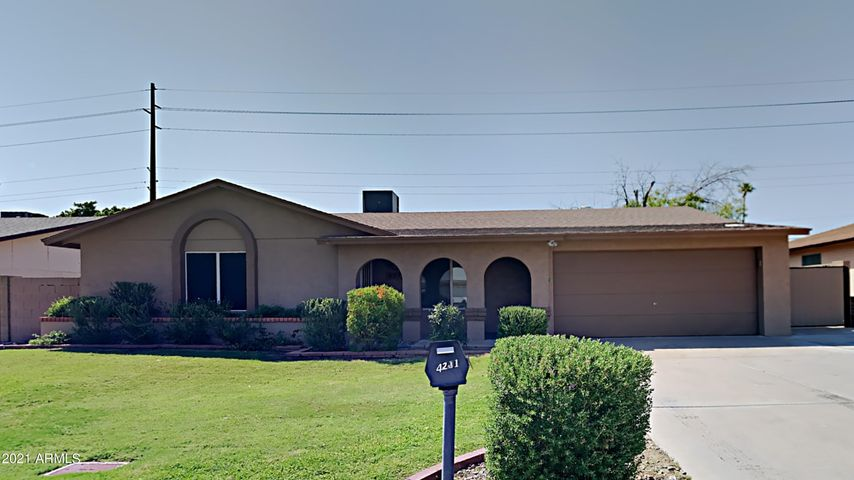 4211 E LA PUENTE Avenue, Phoenix, AZ 85044