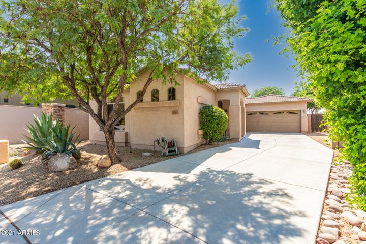 2541 W FLORENTINE Road, Phoenix, AZ 85086